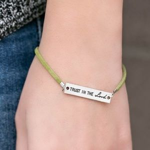 Jewelry - 🙏🏻 Trust in the lord, green bracelet